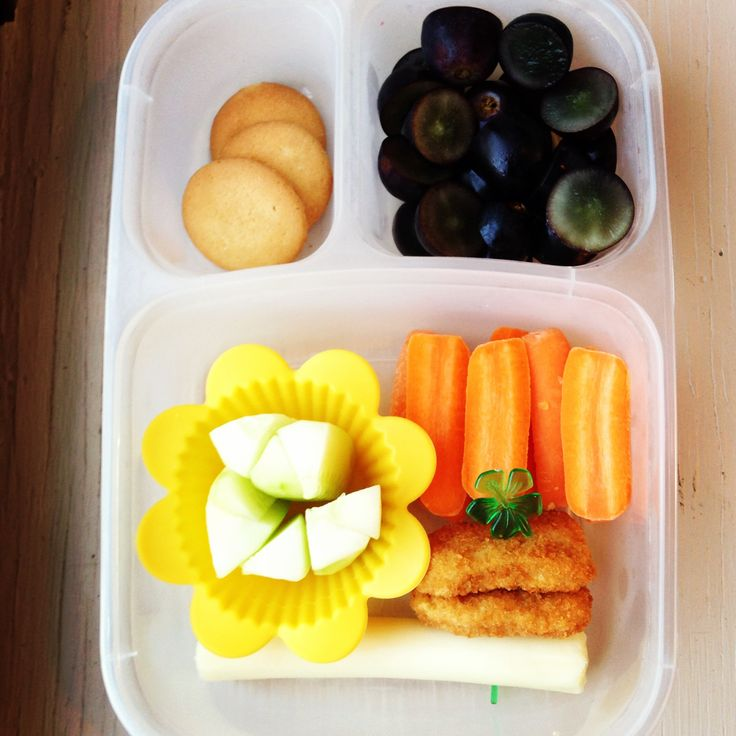 chicken nuggests carrots school lunch organizedCHAOSonline