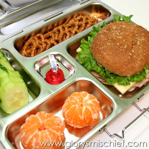 hamburger sandwich school lunch organizedCHAOSonline