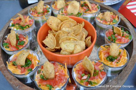 outdoor movie night seven layer dip | organizedchaosonline