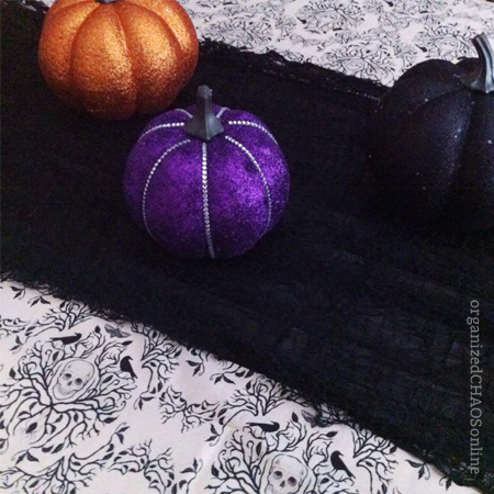 Halloween table decor | organized chaos online | DIY