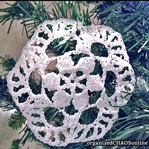 Snowflake #4: 5 Crochet Glitter Snowflakes with instructions   organizedCHAOSonline